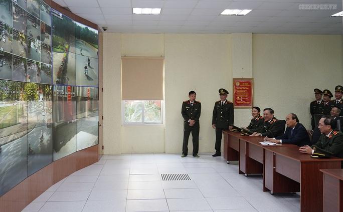 Kiểm tra công tác cảnh vệ, Thủ tướng đề cập vụ Đồng Tâm - Ảnh 5.
