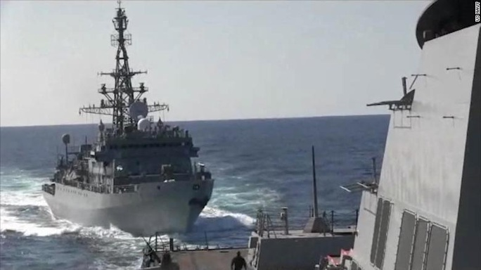 Mỹ - Nga tố tàu chiến của nhau tiếp cận hung hăng - Ảnh 1.