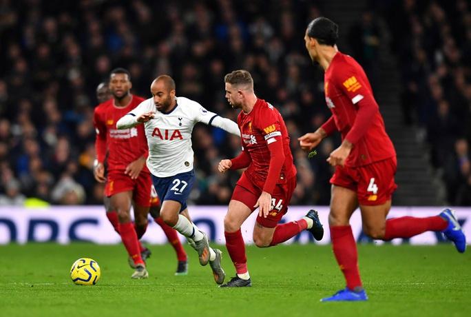 Hạ chủ nhà Tottenham, Liverpool chạm tay vào lịch sử - Ảnh 3.