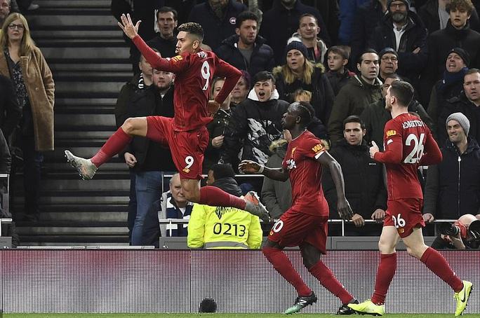 Hạ chủ nhà Tottenham, Liverpool chạm tay vào lịch sử - Ảnh 5.