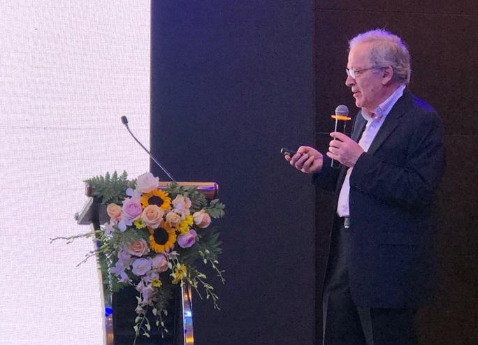 GS hàng đầu thế giới về trí tuệ nhân tạo Leslie Valiant mở hàng hoành tráng cho khoa học Việt Nam - Ảnh 1.