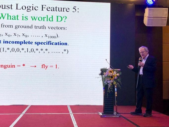 GS hàng đầu thế giới về trí tuệ nhân tạo Leslie Valiant mở hàng hoành tráng cho khoa học Việt Nam - Ảnh 2.