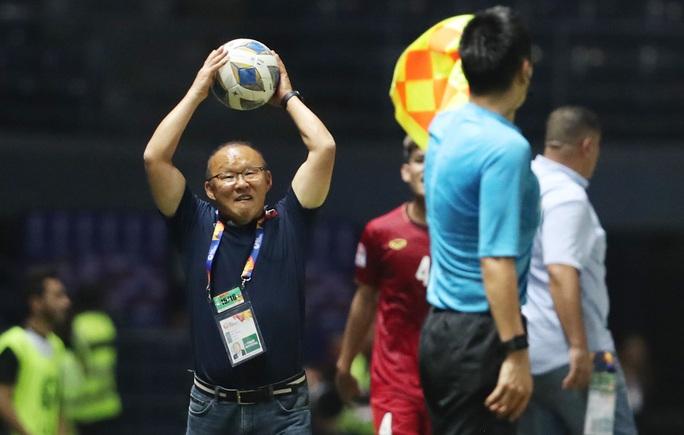 HLV Park Hang-seo: Cứ thắng Triều Tiên rồi hãy nghĩ đến trận UAE - Jordan - Ảnh 2.