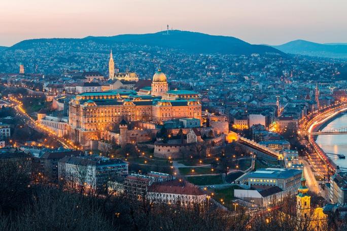 Chiêm ngưỡng 10 thủ đô đẹp nhất thế giới - Ảnh 8.
