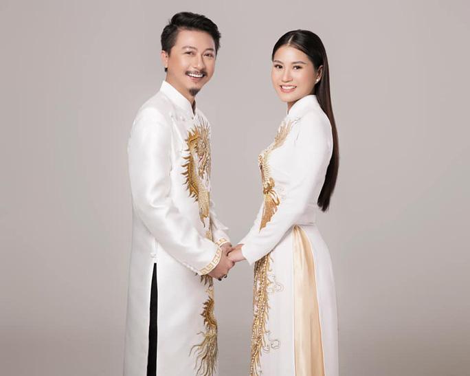 Nghệ sĩ Việt đua nhau khoe sắc trong loạt ảnh Tết - Ảnh 3.