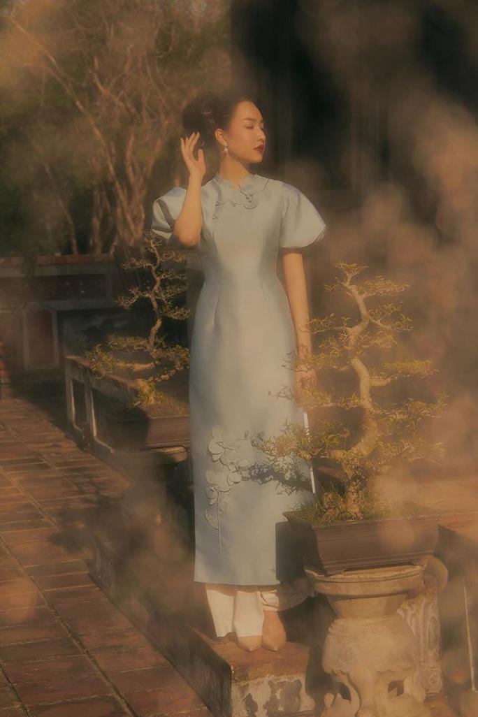 Nghệ sĩ Việt đua nhau khoe sắc trong loạt ảnh Tết - Ảnh 19.