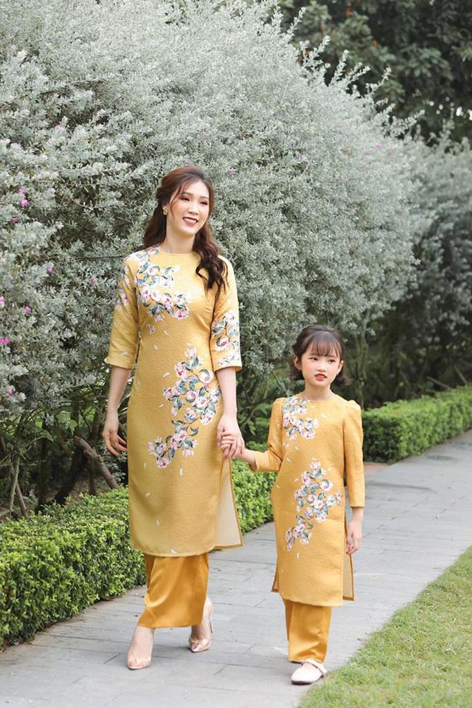 Nghệ sĩ Việt đua nhau khoe sắc trong loạt ảnh Tết - Ảnh 26.