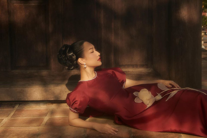 Nghệ sĩ Việt đua nhau khoe sắc trong loạt ảnh Tết - Ảnh 17.