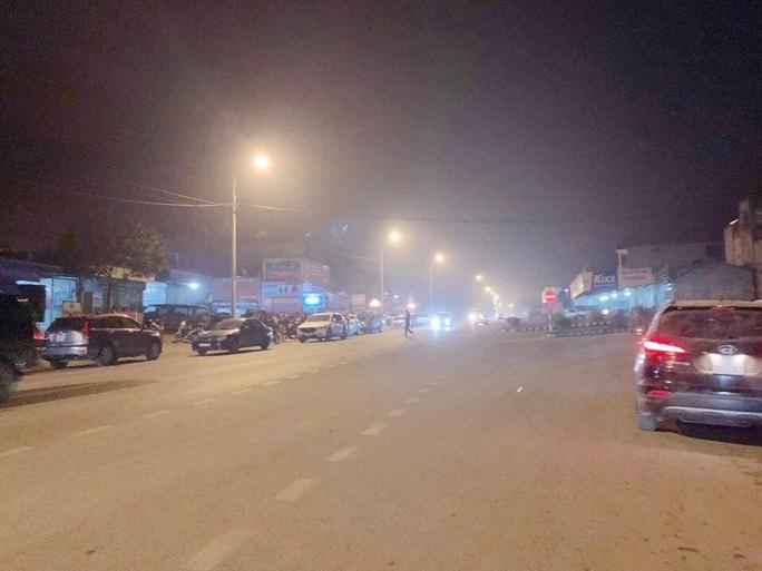Nổ súng kinh hoàng lúc nửa đêm, ít nhất 2 người tử vong, 4 người bị thương - Ảnh 1.