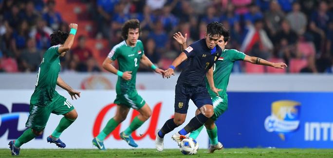 U23 Thái Lan lách khe cửa hẹp vào tứ kết - Ảnh 1.