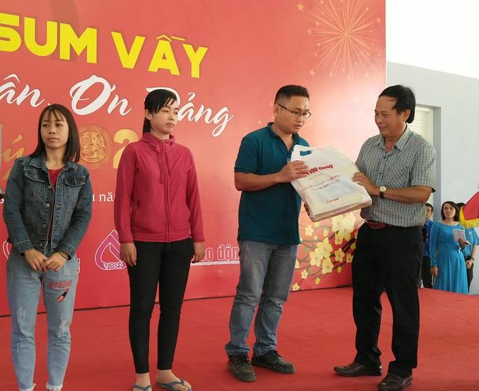 Công nhân khó khăn tại Khánh Hòa vui Tết sum vầy  - Ảnh 3.