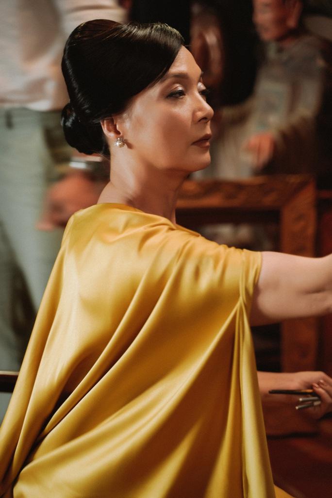 NSND Lê Khanh tái xuất, hoá thân con dâu nhà hào môn xứ Huế - Ảnh 3.