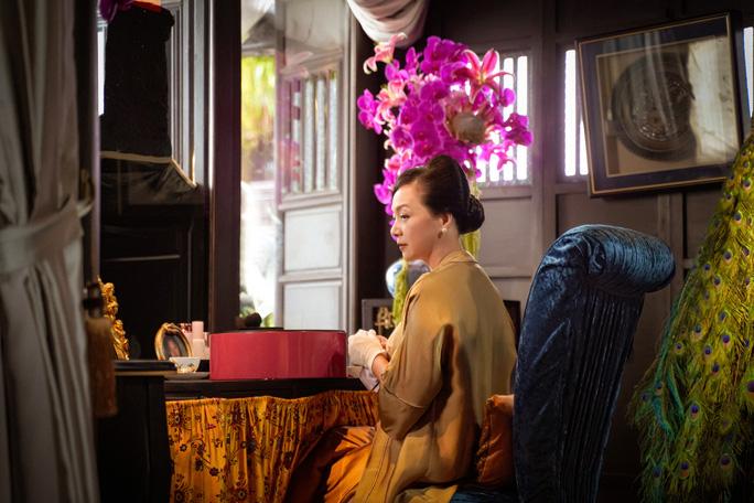 NSND Lê Khanh tái xuất, hoá thân con dâu nhà hào môn xứ Huế - Ảnh 5.
