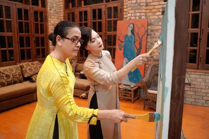 NSND Lê Khanh tái xuất, hoá thân con dâu nhà hào môn xứ Huế - Ảnh 1.