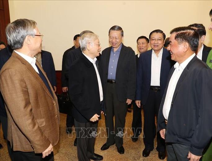 Tổng Bí thư, Chủ tịch nước: Không vì Đại hội XIII mà chống tham nhũng chùng lại - Ảnh 7.