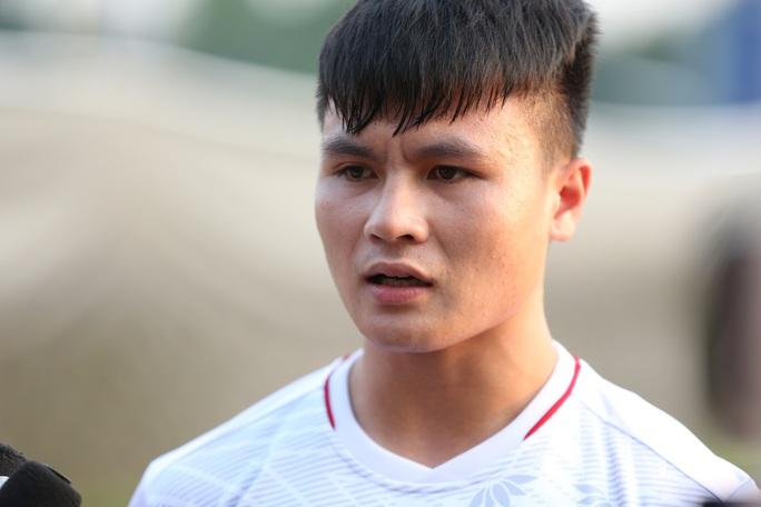 Chùm ảnh thầy trò HLV Park Hang-seo bình thản rèn quân trước trận gặp Triều Tiên - Ảnh 1.