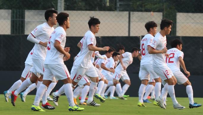 U23 Việt Nam - Triều Tiên: Đổi tiền vệ trung tâm, đẩy Quang Hải trở lại cánh - Ảnh 2.