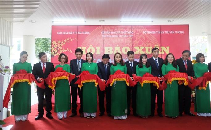800 ấn phẩm tham dự Hội Báo xuân Canh Tý 2020 TP Đà Nẵng - Ảnh 1.