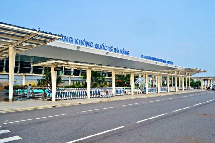 Phát hiện 2 người Trung Quốc ở Vũ Hán nghi bị viêm phổi cấp tại sân bay Đà Nẵng - Ảnh 1.