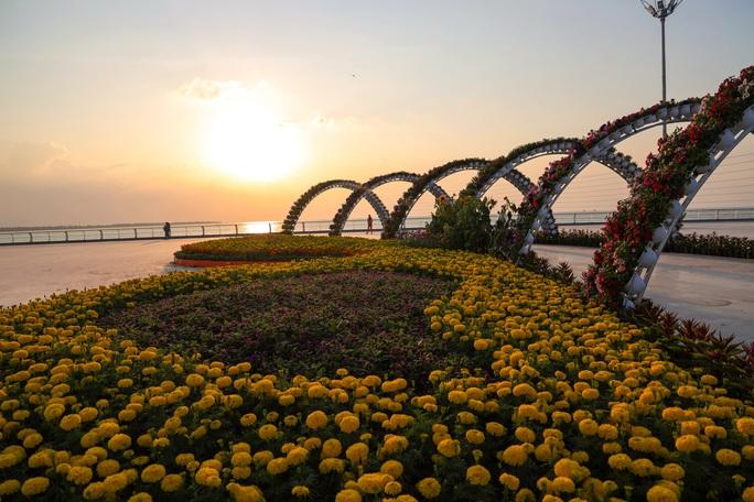Ngỡ ngàng sắc Xuân tại khu lấn biển lớn nhất miền Tây - Ảnh 8.