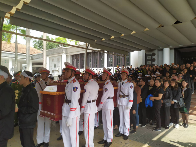 Xúc động tiễn biệt 3 liệt sĩ hy sinh khi làm nhiệm vụ tại xã Đồng Tâm - Ảnh 13.