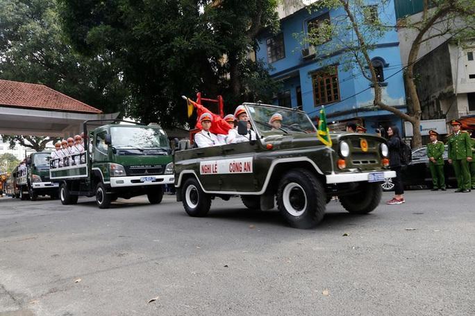 Xúc động tiễn biệt 3 liệt sĩ hy sinh khi làm nhiệm vụ tại xã Đồng Tâm - Ảnh 20.
