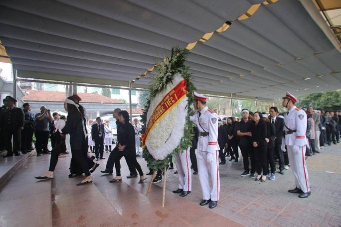 Thủ tướng Nguyễn Xuân Phúc viếng 3 liệt sĩ công an hy sinh tại xã Đồng Tâm - Ảnh 11.