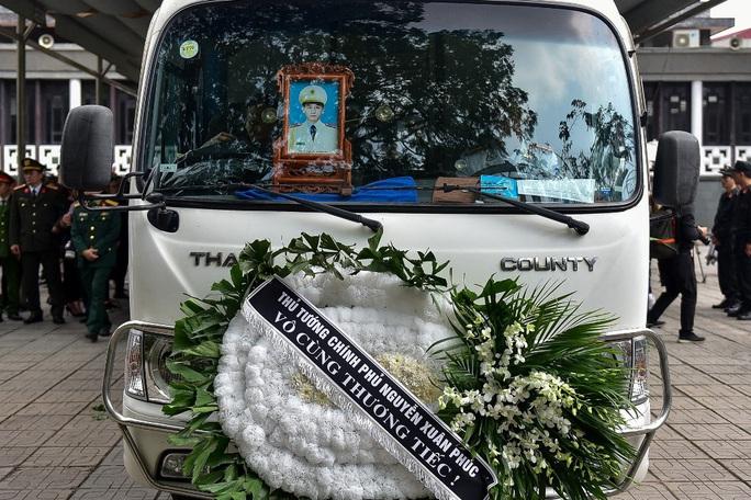 Xúc động tiễn biệt 3 liệt sĩ hy sinh khi làm nhiệm vụ tại xã Đồng Tâm - Ảnh 16.
