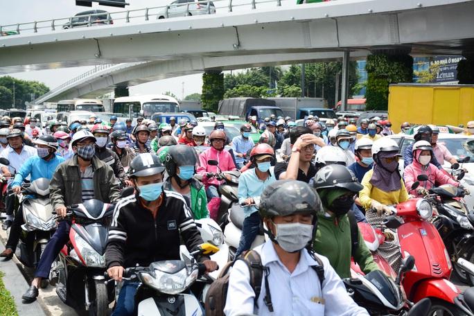 Lắng nghe người dân hiến kế: Giải quyết kẹt xe, phải bắt đầu từ phía nhà nước - Ảnh 1.