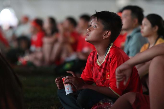 Thất vọng, tiếc nuối khi U23 Việt Nam rời giải châu Á từ vòng bảng - Ảnh 5.