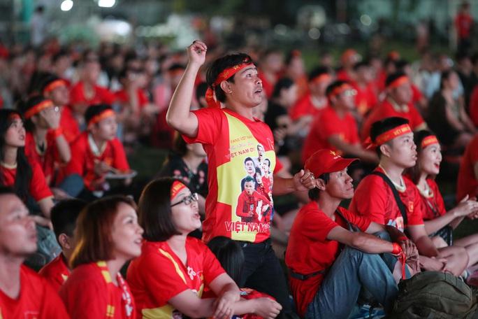 Thất vọng, tiếc nuối khi U23 Việt Nam rời giải châu Á từ vòng bảng - Ảnh 7.