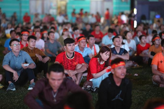 Thất vọng, tiếc nuối khi U23 Việt Nam rời giải châu Á từ vòng bảng - Ảnh 4.