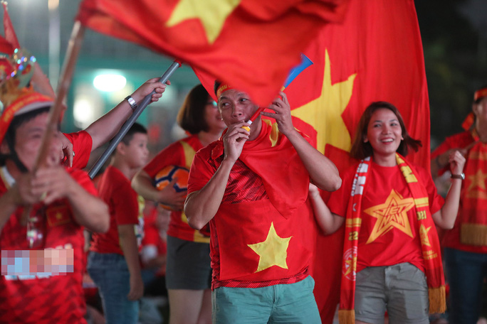 Thất vọng, tiếc nuối khi U23 Việt Nam rời giải châu Á từ vòng bảng - Ảnh 2.