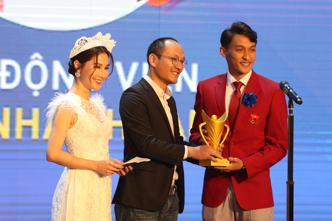 Dàn siêu kình ngư Ánh Viên, Huy Hoàng đại thắng Cúp Chiến thắng - Ảnh 1.