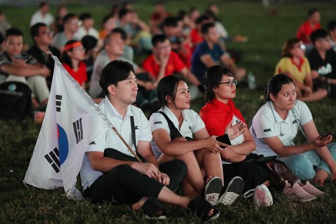 Thất vọng, tiếc nuối khi U23 Việt Nam rời giải châu Á từ vòng bảng - Ảnh 6.