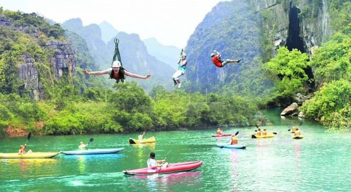 Giám đốc Trung tâm Du lịch Phong Nha - Kẻ Bàng bất ngờ xin thôi việc - Ảnh 1.
