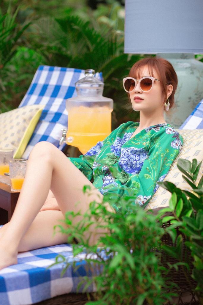 Ninh Dương Lan Ngọc đọ bikini cùng mỹ nhân Việt - Ảnh 1.