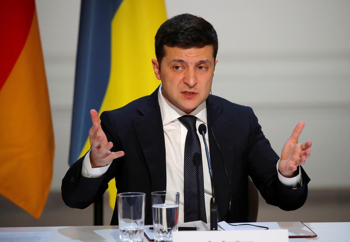 Nói xấu tổng thống bị ghi âm, thủ tướng Ukraine từ chức - Ảnh 2.