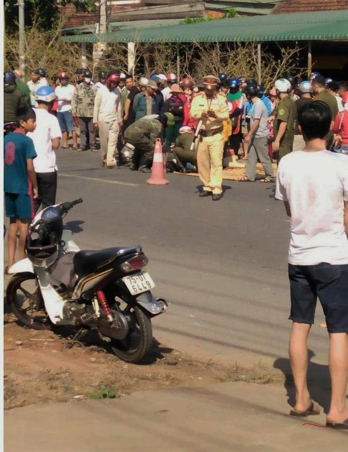 Trên đường về nhà, nữ sinh lớp 10 bị xe container tông tử vong - Ảnh 1.