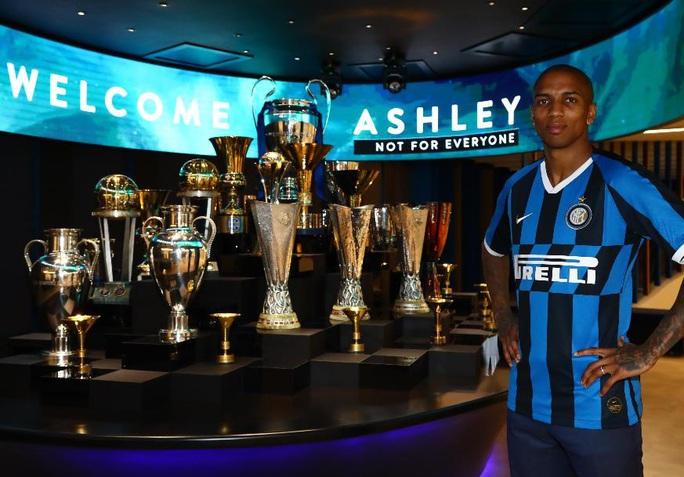 Ashley Young chia tay Man United, gia nhập Inter Milan - Ảnh 2.