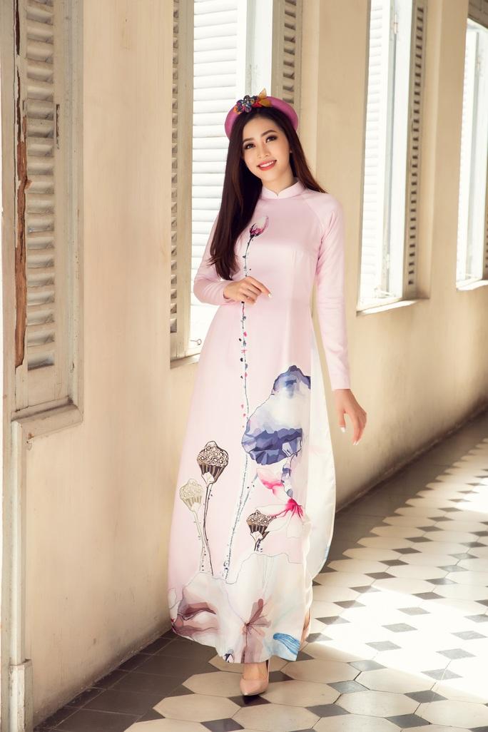 Thướt tha, duyên dáng áo dài du xuân của sao Việt - Ảnh 7.
