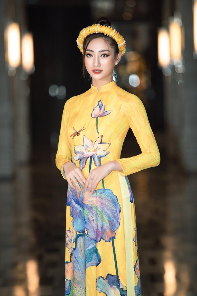 Thướt tha, duyên dáng áo dài du xuân của sao Việt - Ảnh 4.