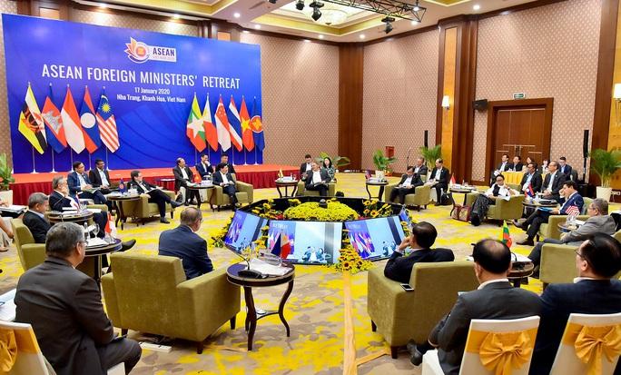 Các Bộ trưởng ASEAN quan ngại các sự cố nghiêm trọng ở Biển Đông - Ảnh 3.