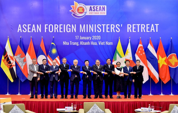 Các Bộ trưởng ASEAN quan ngại các sự cố nghiêm trọng ở Biển Đông - Ảnh 1.