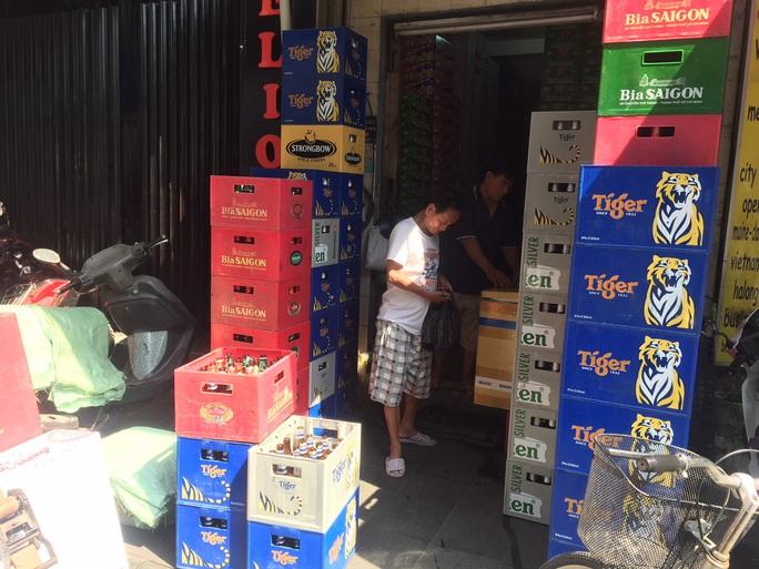 Bia Tết bắt đầu hạ giá - Ảnh 1.