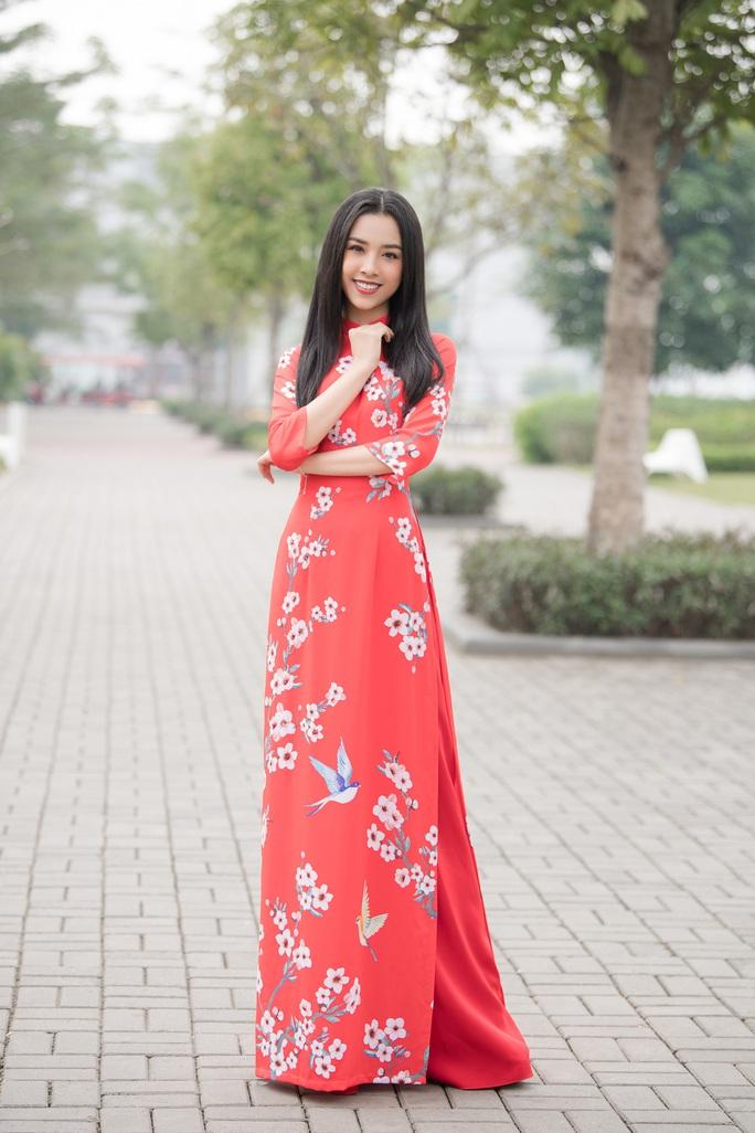 Thướt tha, duyên dáng áo dài du xuân của sao Việt - Ảnh 8.
