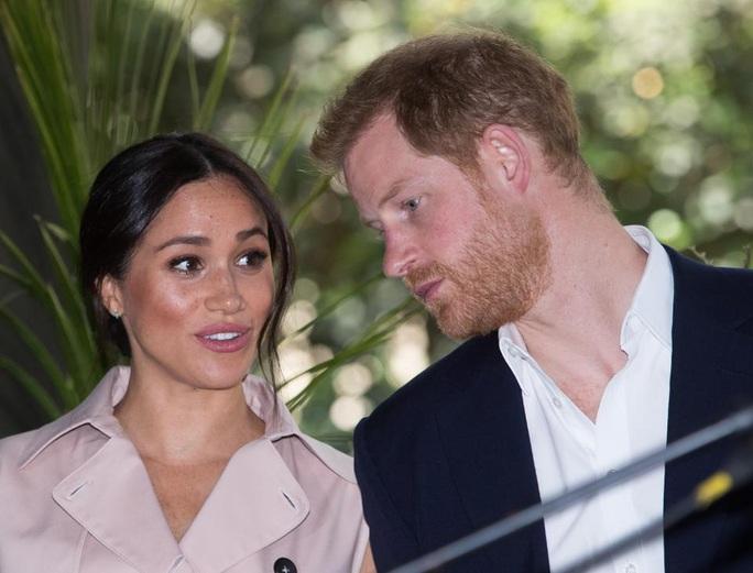 Hành trình trốn chạy hoàng gia Anh của Hoàng tử Harry - Ảnh 3.