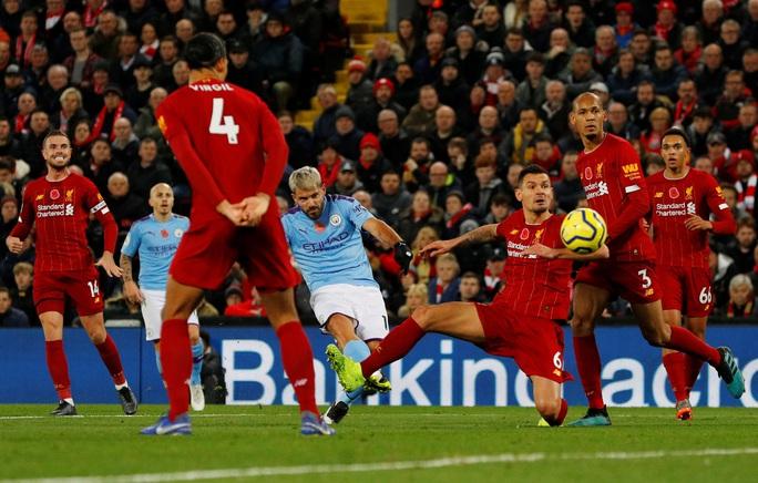 Liverpool độc diễn trên đường đua vô địch - Ảnh 1.