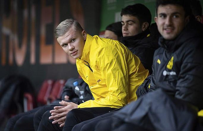 Lập hat-trick ra mắt Dortmund, thần đồng Haaland làm chao đảo Bundesliga - Ảnh 2.