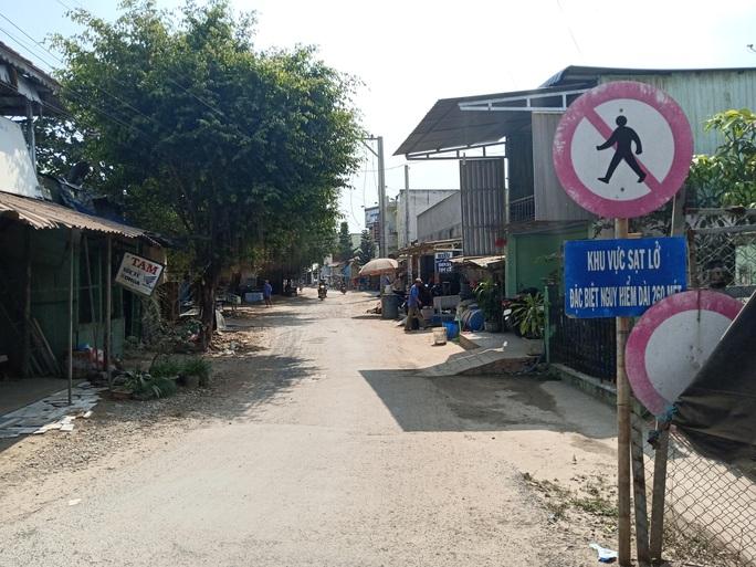 Lãnh đạo huyện Chợ Mới ăn ngủ không yên vì lo sạt lở cũ - Ảnh 2.